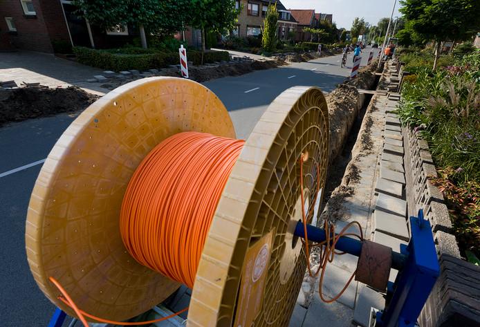 De aanleg van glasvezel in Winterswijk.