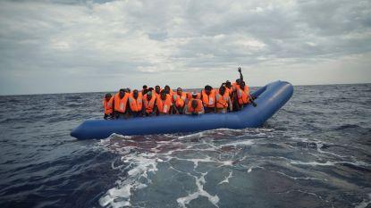 Vijftig migranten gered voor kust van Libië