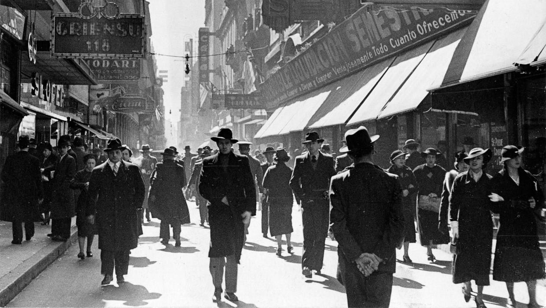 Straatbeeld van Buenos Aires, 1936. Beeld Horacio Coppola