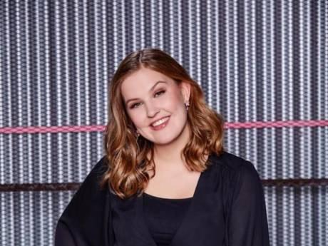 Wat een optreden! Almelose Emma (17) naar finale The Voice