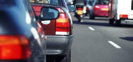 Anderhalf uur vertraging op A50 tussen Oss en Veghel door ongeluk