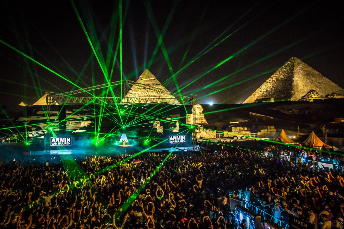 Future Sound of Egypt in Egypte, een van de vele festivals waar Armin van Buuren werd bijgestaan door TWOFIFTYK en Eyesupply.