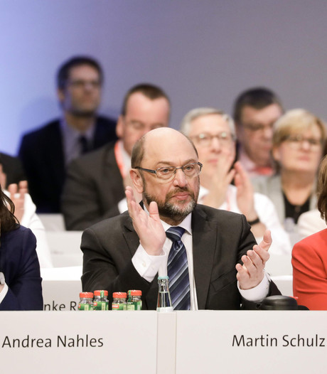 Duitse SPD gaat voor coalitie met Merkel