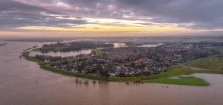 Inspectie woningen langs de Waaldijk in aanloop naar de dijkversterkingen