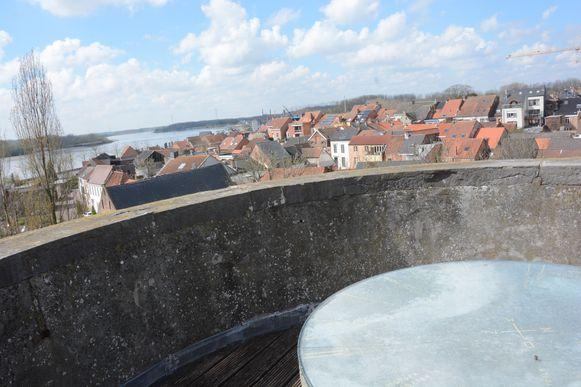 Van boven op de Graventoren hebben bezoekers een spectaculair uitzicht over de Schelde en Rupelmonde.