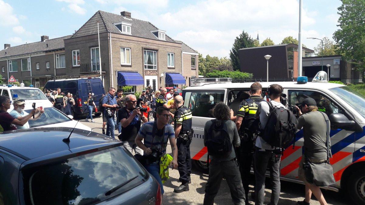 Pegida wordt afgevoerd in Eindhoven.