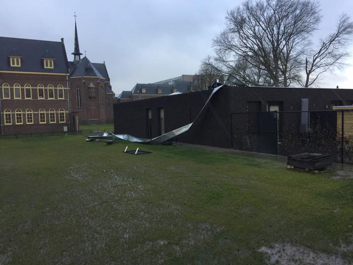 Op diverse plaatsen zorgde de storm in Berkel-Enschot voor schade