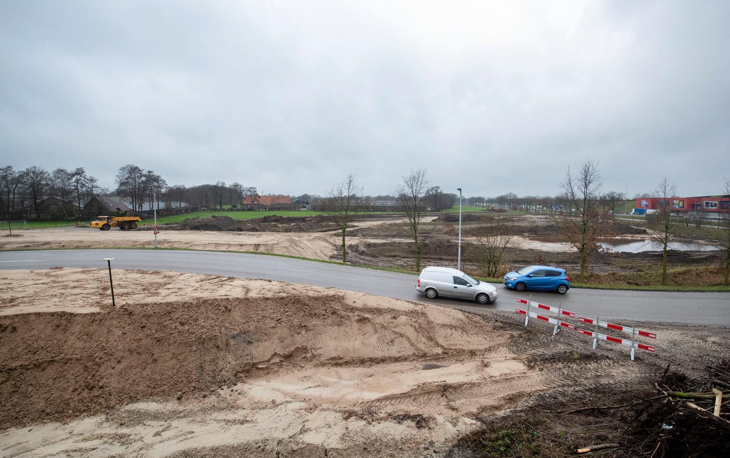 De aanleg van de nieuwe afrit van de snelweg A12 bij de Maanderdijk in Ede.