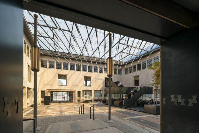 Het Gelders Huis (Markt) Ontwerp: TeamV Architectuur Opdrachtgever: Provincie Gelderland Omschrijving: Restauratie met nieuwe uitbreiding van het rijksmonument uit de Wederopbouwperiode