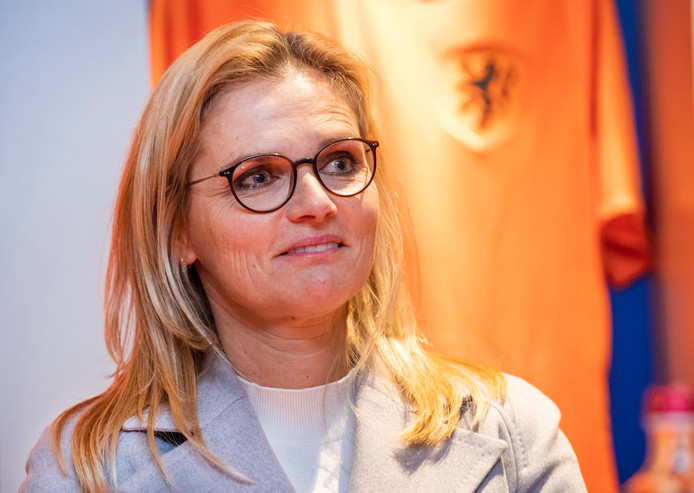 Bondscoach Sarina Wiegman van de OranjeLeeuwinnen