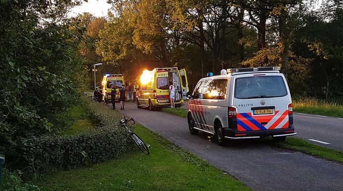 Drie wielrenners raakten gewond door de valpartij in Balkbrug.