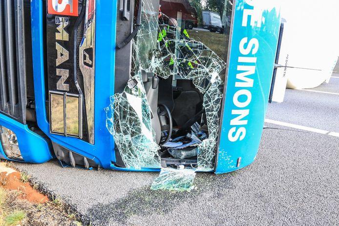 Het ongeluk op de A67 van maandag aan het einde van de middag. Daarbij raakte niemand ernstig gewond.