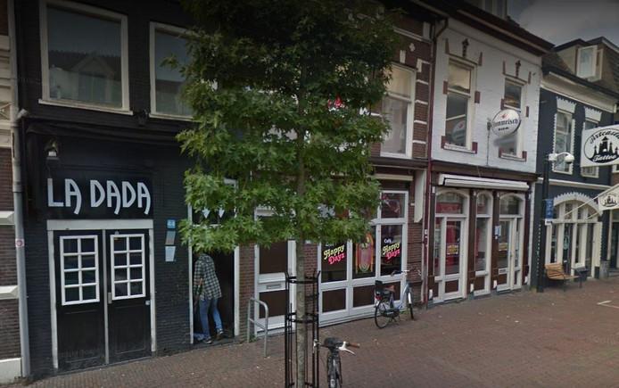 Bar-dancing La dada aan de Tweede Dorpsstraat in Zeist