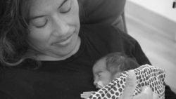 """Diana (36) bevalt van dochtertje met hartproblemen en hoort enkele weken later dat ze zelf terminaal is: """"Het breekt m'n hart dat ik haar zo snel moet verlaten"""""""