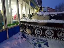 Dronken Rus steelt 'tank' om na sluitingstijd fles wijn te scoren