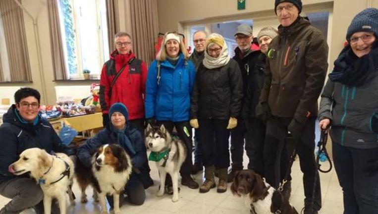 Enkele deelnemers van de hondenwandeling