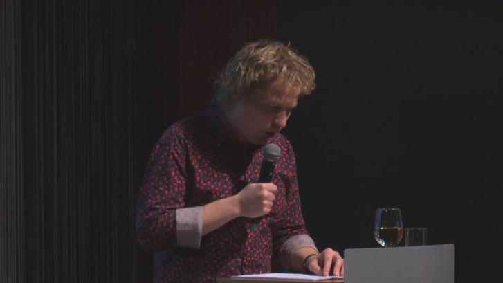 Cabaretier Thijs Kemperink brengt ode aan FC Twente
