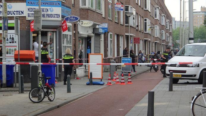 Rond vijf uur werd een man neergeschoten op de Strevelsweg in Rotterdam-Zuid.