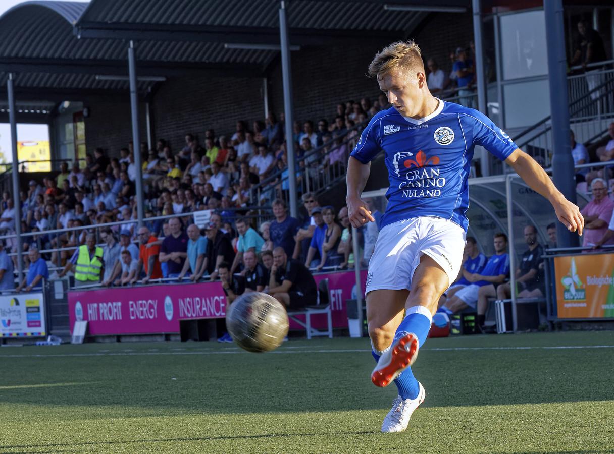Sven Blummel in actie in het shirt van FC Den Bosch. Het ziet er naar uit dat dit niet meer voor zal komen in dit seizoen.