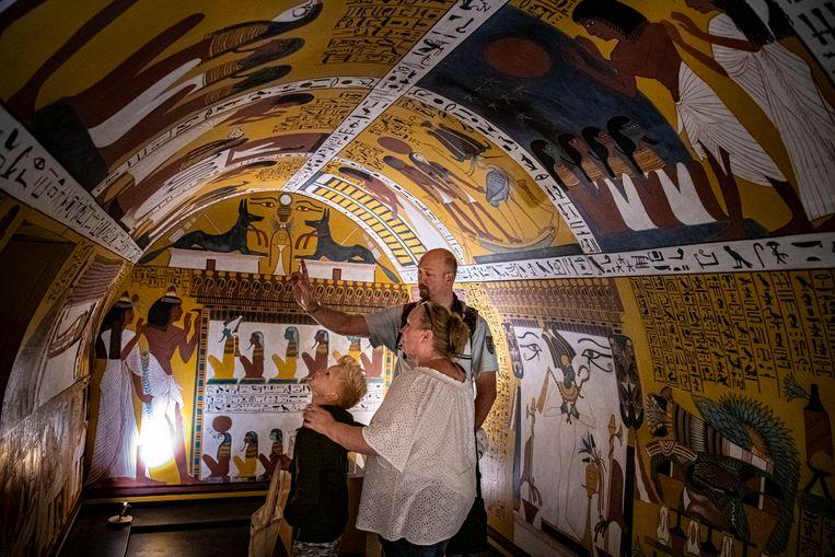 De grafkamer van Sennedjem die staat in het dal van de koningen, nagebouwd in Orientalis. Beeld Koen Verheijden