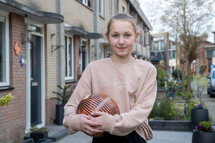 Lisa Klaassen uit Wageningen. Sport: voetbal