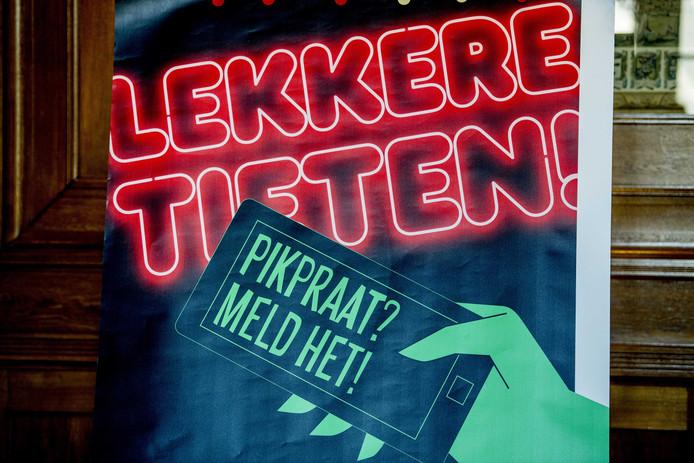 Een afbeelding van de campagne tegen straatintimidatie in Rotterdam.