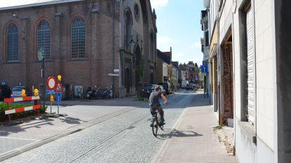 Politie sluit Luikstraat af tijdens spits