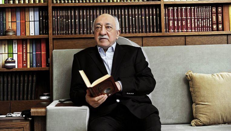 De in de VS in ballingschap levende Turkse geestelijke Fethullah Gülen wordt er door de Turkse president Erdogan van beticht het brein te zijn achter de recente staatsgreep. Gülen ontkent ten stelligste daar iets mee te maken te hebben. Beeld EPA
