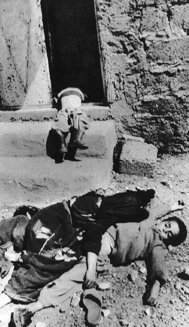 Foto uit maart 1988 uit Halabja. Beeld AFP