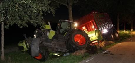 Automobiliste gewond na botsing met tractor bij Meppel