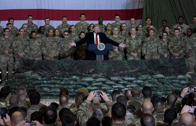 Donald Trump speecht voor het leger in Afghanistan.  Beeld AFP