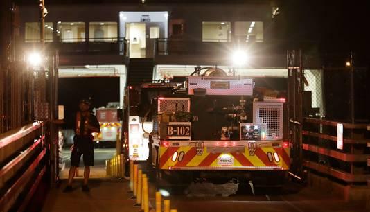 Brandweerwagens gingen na de crash op een veerboot naar Ketron Island.