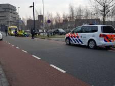 Vrouw op handbike raakt zwaargewond bij ongeval in Enschede