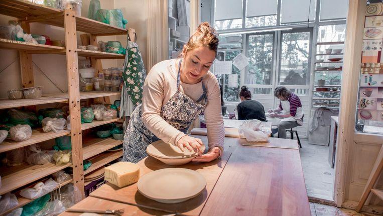 Martine Boelsma aan het werk Beeld Marijke Stroucken
