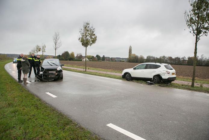 Het gestolen voertuig stond geparkeerd langs de Verlengde Rijnstraat