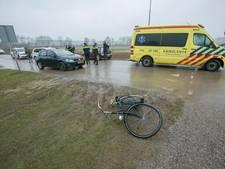Fietser lichtgewond bij botsing met auto in Zevenaar