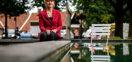 Burgemeester Cia Kroon van Losser: 'Hou thuis afstand van bezoek'
