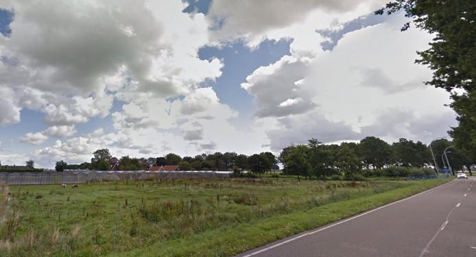 De Oosterlandenweg waar de uitbreiding zou moeten plaatsvinden.