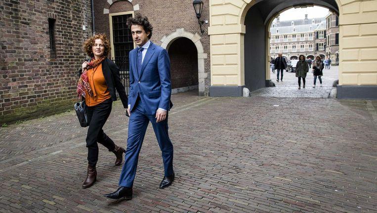 Kathalijne Buitenweg en Jesse Klaver van GroenLinks na afloop van hun eerste gesprek met informateur Edith Schippers Beeld Bart Maat/ANP