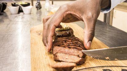 Doorbraak voor Nederlands bedrijf met wereldprimeur vega-steak. Maar hoe boots je biefstuk na?