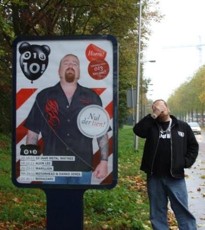 'Fozz' maakt reclame voor het Metal Matinee in 013