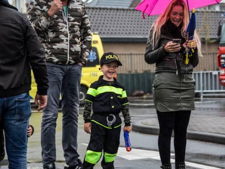 Gillende sirenes en een 'aanslag' op de  burgemeester tijdens Veiligheidsdag Naaldwijk