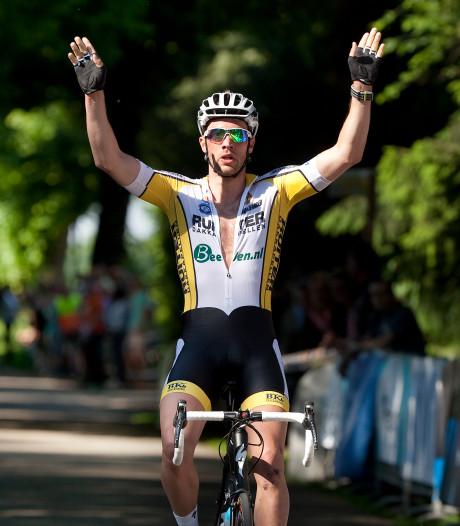 Mitchell Huenders is districtskampioen wielrennen