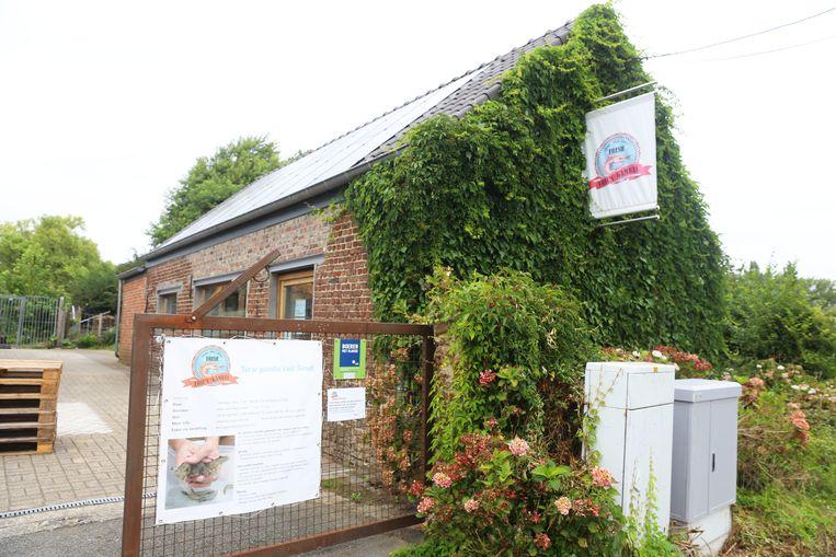 De gambakwekerij bevindt zich in de Heirbaan in Ternat.