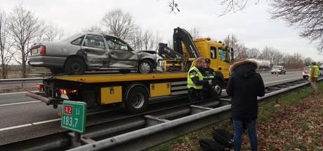 Ongeluk met personenauto en vrachtwagen op A2 bij Maarheeze, geen gewonden