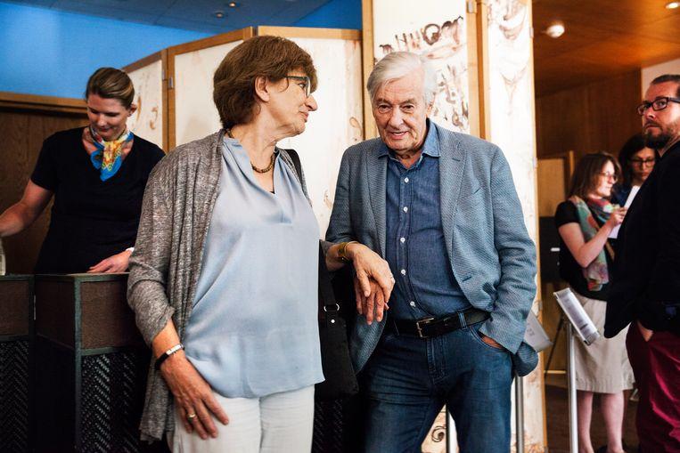 Samen met zijn echtgenoot Martine Tours tijdens het filmfestival van Cannes in 2016. Beeld Aurélie Geurts