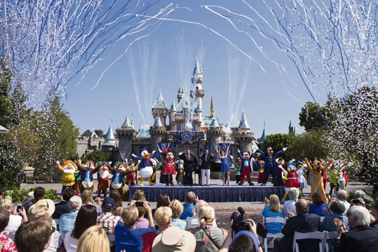 De 6.500 studenten mogen gewoon naar binnen komende zondag, want Disney heeft alle gestolen kaartjes inmiddels vervangen.