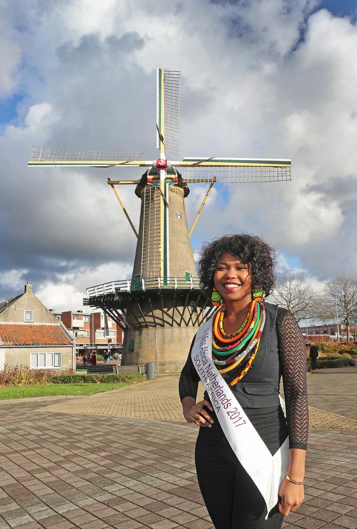 Zimmie Dwezekile deed  op 2 december mee aan de Miss Africa Netherlands verkiezing, als Miss Zuid-Afrika.