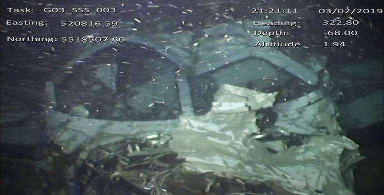 Een foto van het wrak van de Piper Malibu die Emiliano Sala en David Ibbotson van Nantes naar Cardiff moest brengen.