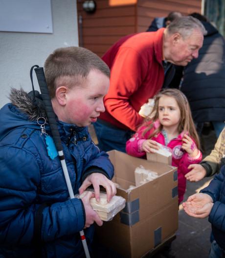 Velpse kleuters knutselen én leren over blind zijn